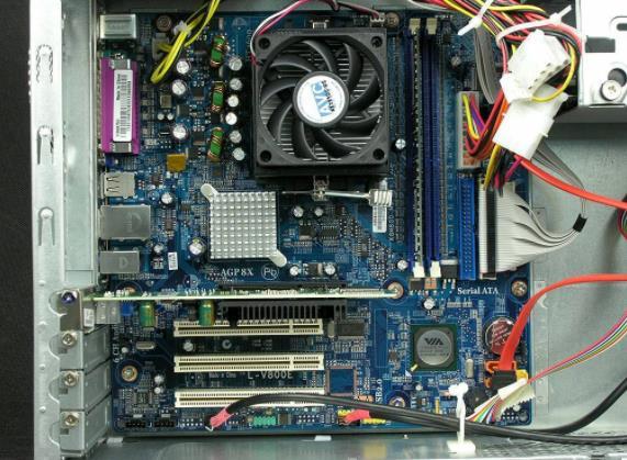 电脑开机显示器无信号的几个常见故障